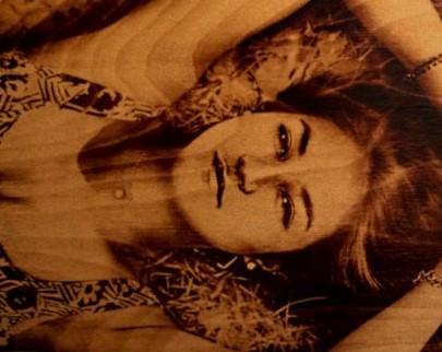 портрет на дереве на заказ в Оренбурге